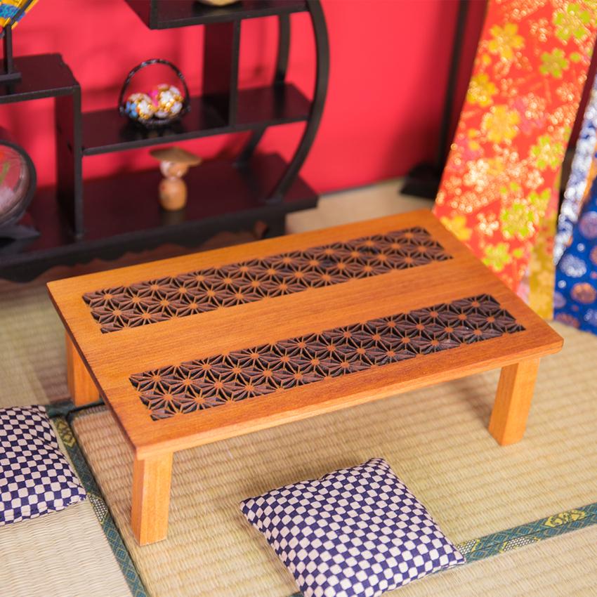 和彫りテーブル