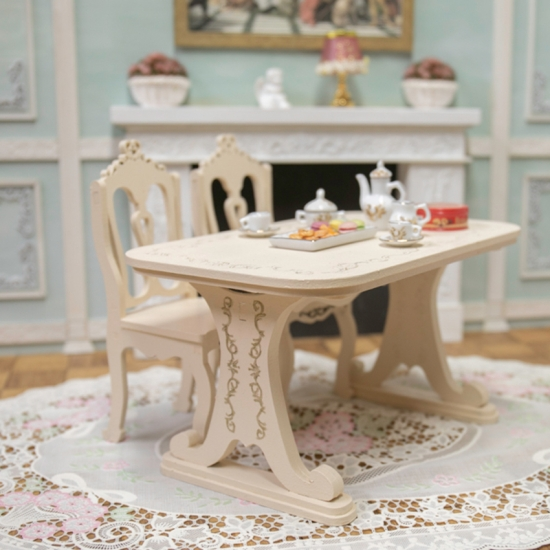 プリンセスダイニングテーブル